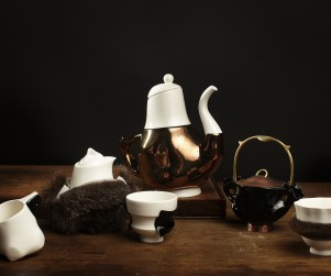 The Briggs Family Tea Service: Broached Colonial Commission: Trent Jansen design: Cone Nine Studios: 2011: porcelain: sizes variable. Photograph courtesy Broached Commissions.