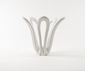 Sonic Loop: 2007: Porcelain. 38 x34x34cm: Photograph Helene Rosanove